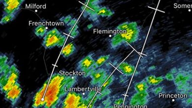 8:50 pm Weather Update A thunderstorm capable of producing torrential downpours has begun to…